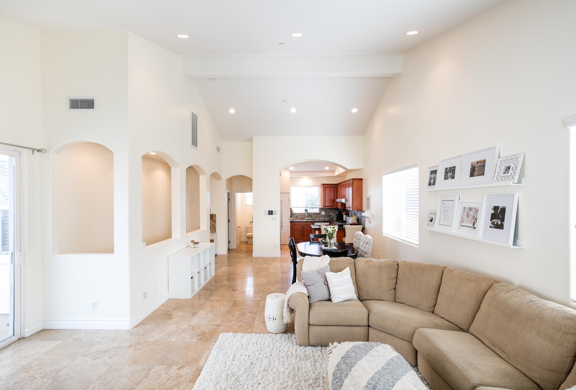 Rockefeller 2502 Living Room 5